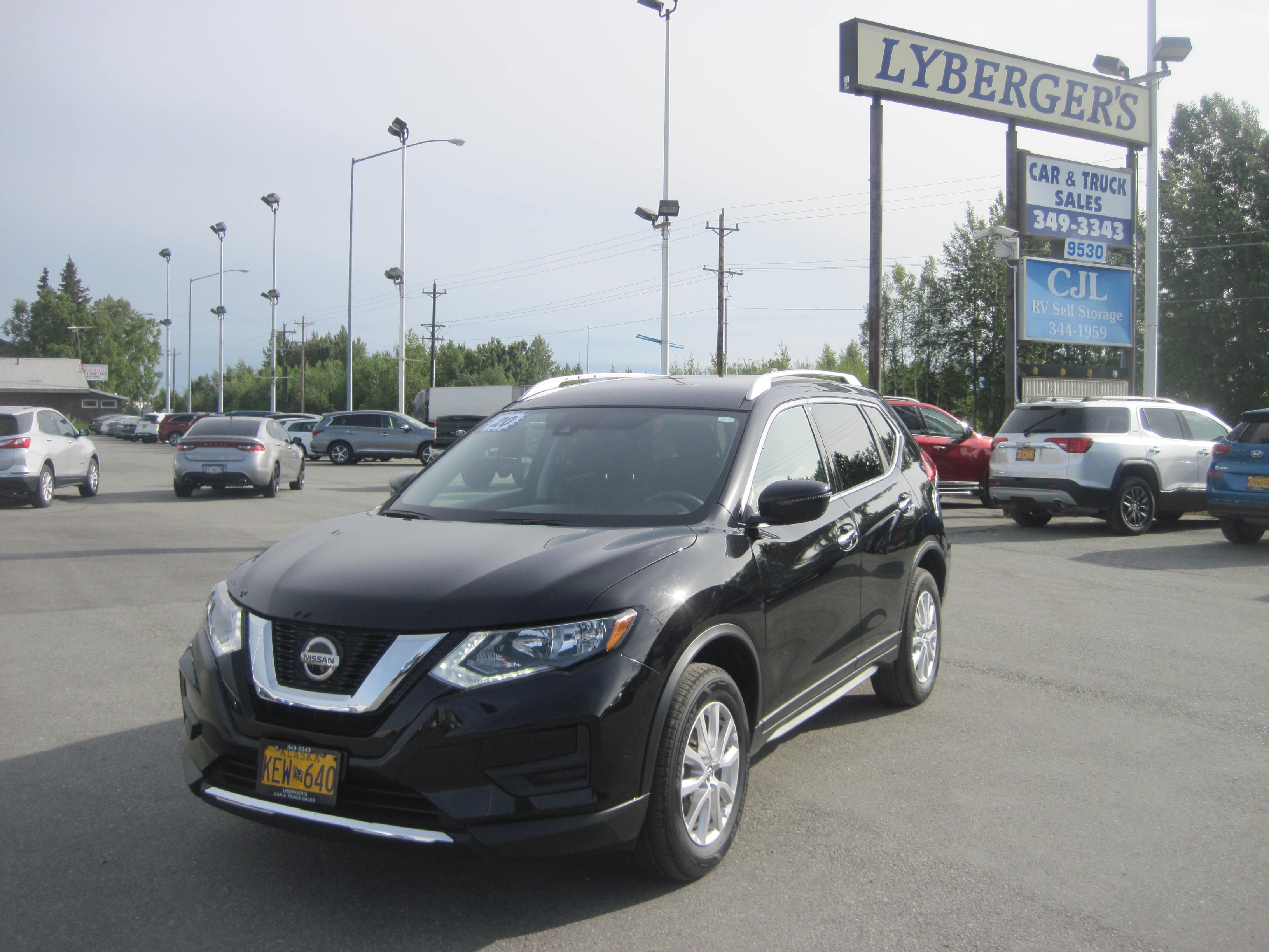 2020 black /black Nissan Rogue S AWD (KNMAT2MVXLP) with an 2.5L L4 DOHC 16V engine, CVT transmission, located at 9530 Old Seward Highway, Anchorage, AK, 99515, (907) 349-3343, 61.134140, -149.865570 - Photo #0