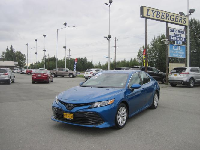 2019 blue /black Toyota Camry LE (4T1B11HK9KU) with an 2.5L L4 DOHC 16V engine, 8A transmission, located at 9530 Old Seward Highway, Anchorage, AK, 99515, (907) 349-3343, 61.134140, -149.865570 - Photo #0