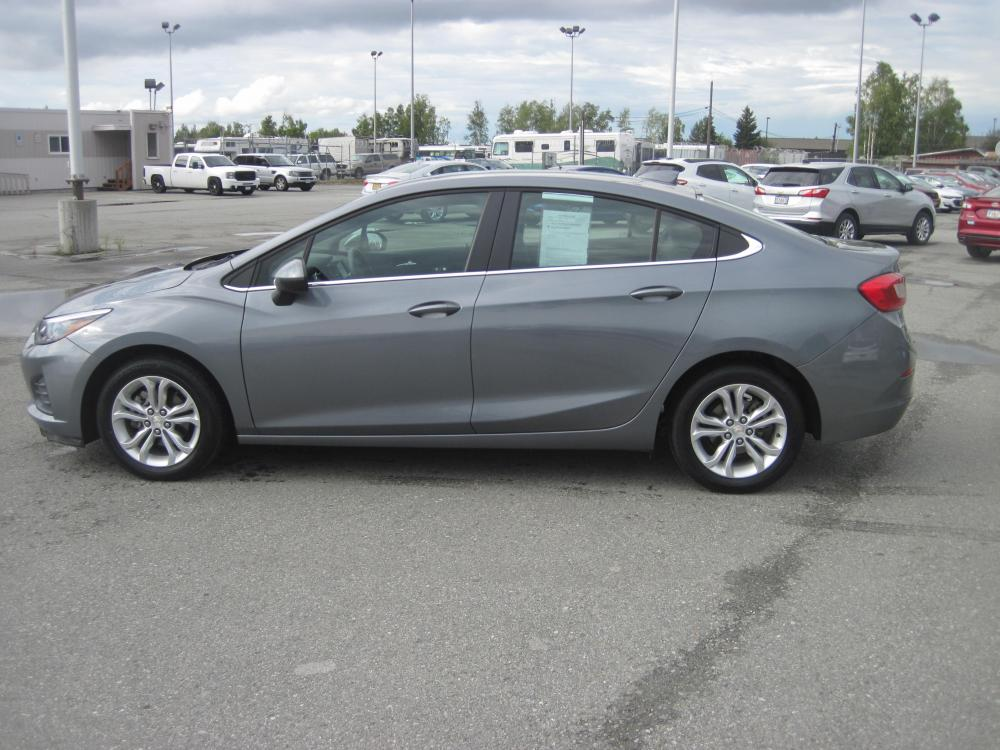 2019 gray /black Chevrolet Cruze LT Auto (1G1BE5SM7K7) with an 1.4L L4 DOHC 16V TURBO engine, 6A transmission, located at 9530 Old Seward Highway, Anchorage, AK, 99515, (907) 349-3343, 61.134140, -149.865570 - Photo #2