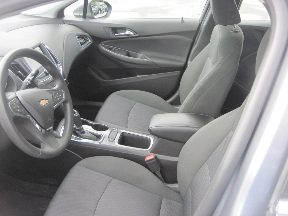 2019 gray /black Chevrolet Cruze LT Auto (1G1BE5SM7K7) with an 1.4L L4 DOHC 16V TURBO engine, 6A transmission, located at 9530 Old Seward Highway, Anchorage, AK, 99515, (907) 349-3343, 61.134140, -149.865570 - Photo #5