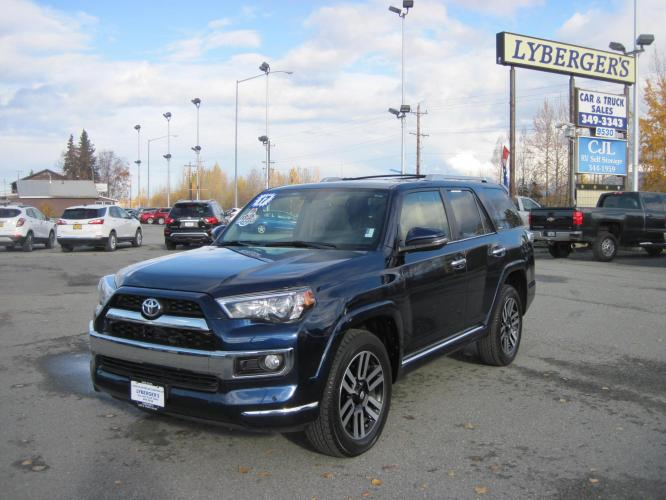 2017 blue /TAN Toyota 4Runner SR5 4WD (JTEBU5JR8H5) with an 4.0L V6 DOHC 24V engine, 5A transmission, located at 9530 Old Seward Highway, Anchorage, AK, 99515, (907) 349-3343, 61.134140, -149.865570 - Photo #0